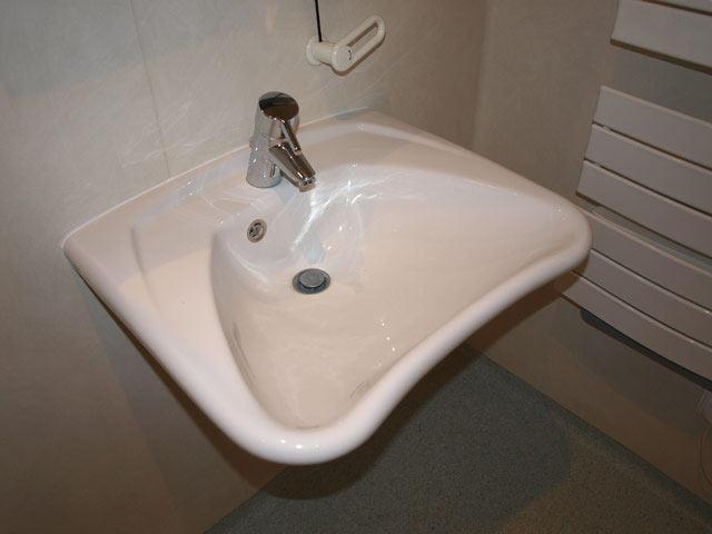 Wc Handicapé Plan : Plomberie sanitaires au pays basque guillaume