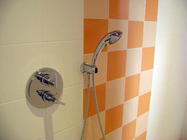 1 plomberie sanitaires au pays basque 64 guillaume echeveste. Black Bedroom Furniture Sets. Home Design Ideas